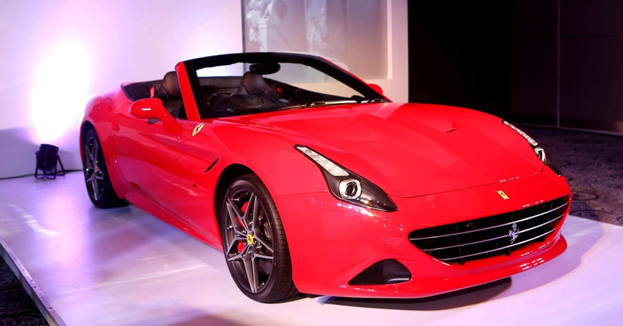 Ferrari Ki Sawaari - BKC becomes home to Ferrari's first Mumbai Showroom !!!